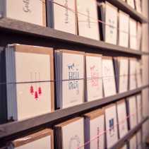Karoline Stürmer druckt Letterpresskarten und typographische Poster