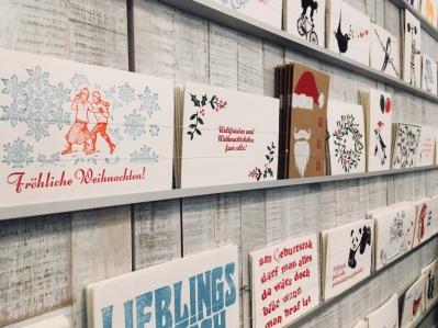 Individuelle Post- und Weihnachstkarten laden dazu ein, wieder mehr Weihnachtsgrüße zu verschicken.