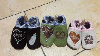 Hausschuhe für kleine Jungs und Mädchen