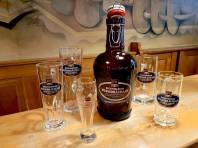 Alle Gläser und 2 Liter Krüge sind nur im Regensburger Weissbräuhaus erhältlich