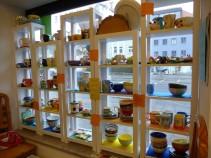 Auf der Suche nach einem außergewöhnlichen Geschenk bzw. Mitbringsel aus der Domstadt? Die individuell gestalteten Keramikgegenstände sind einzigartig.