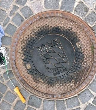 """""""Kanaldeckel aus Regensburg werden zu Kunst"""" Bildquelle: Nadine Trautzsch"""