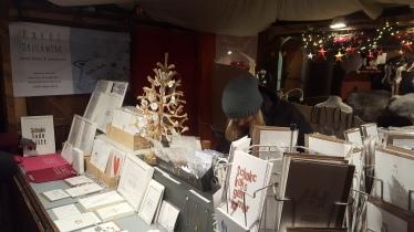 Christkindlmarktstand am Lukrezia-Markt (Karos Druckwerk)