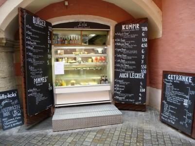 Mit hungrigem, knurrendem Magen in der Regensburger Altstadt unterwegs? -Nicht mehr lange!