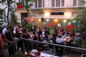 Ein gemütliches Grillsommerfest im kühlen Hof, Foto: Stadt Regensburg